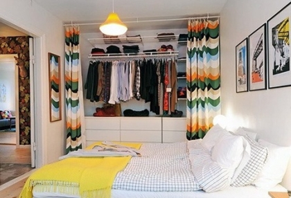 Dressing-room-in-small-apartment